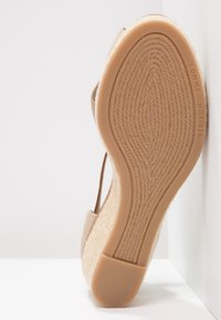 Tommy Hilfiger - ICONIC ELBA SANDAL - Plateausandalette - taupe - 5
