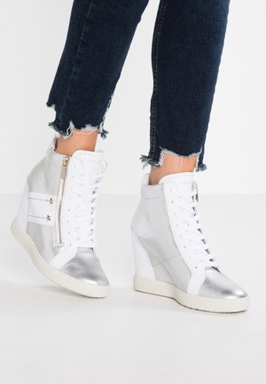 WEDGE - Sneakers hoog - white