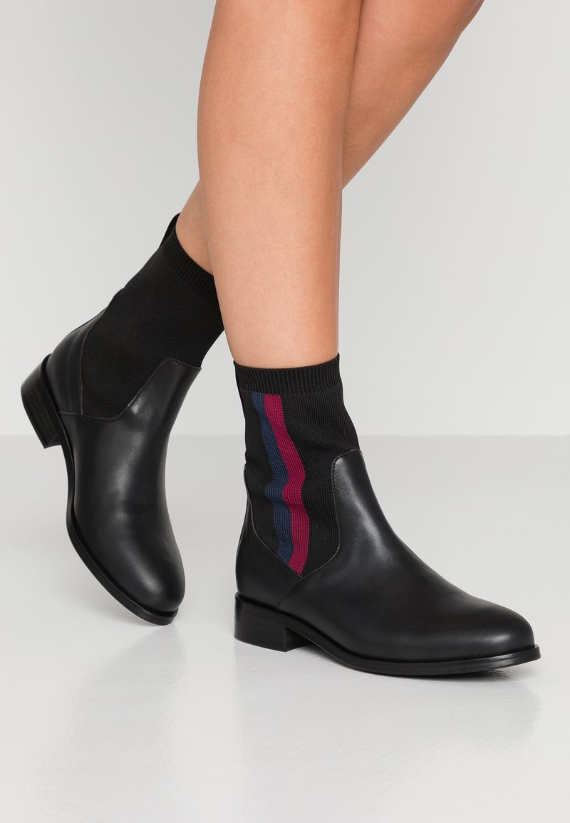 Tommy Hilfiger - KNITTED BOOT - Botines - black