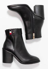 Tommy Hilfiger - CORPORATE HARDWARE BOOTIE - Ankelboots med høye hæler - black - 3