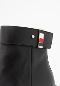 Tommy Hilfiger - CORPORATE HARDWARE BOOTIE - High heeled ankle boots - black - 2