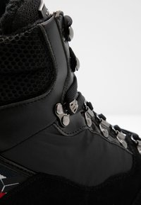 Tommy Hilfiger - PATENT FASHION SPORTY BOOT - Snørestøvletter - black