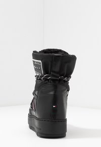Tommy Hilfiger - CITY VOYAGER SNOW BOOT - Winter boots - black - 5