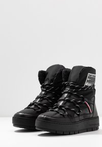 Tommy Hilfiger - CITY VOYAGER SNOW BOOT - Winter boots - black - 4