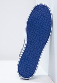Tommy Hilfiger - HARLOW - Sneaker low - steel grey - 4