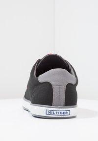 Tommy Hilfiger - HARLOW - Sneakersy niskie - black - 3