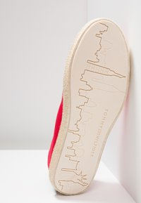 Tommy Hilfiger - EASY SUMMER - Espadrilles - tango red - 4
