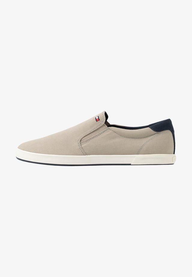 ICONIC - Scarpe senza lacci - beige