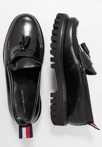 Tommy Hilfiger - CHUNKY DRESS LOAFER - Slip-ons - black - 1