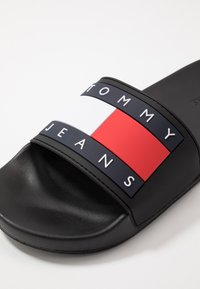 Tommy Jeans - FLAG SLIDE - Badesandaler - black