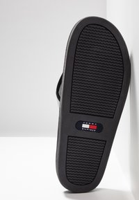 Tommy Hilfiger - CORPORATE  - Sandalias de dedo - black - 4