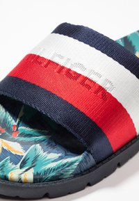 Tommy Hilfiger - TROPICAL PRINT - Mules - red - 5