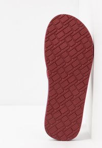 Tommy Hilfiger - BADGE BEACH - Infradito - red - 4