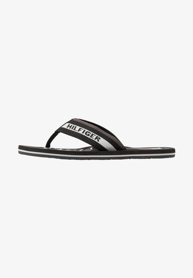 MARITIME BEACH - Sandalias de dedo - black