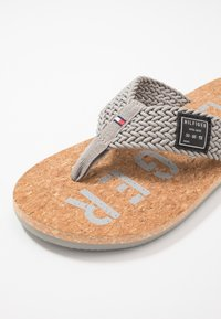 Tommy Hilfiger - CASUAL BEACH  - Infradito - grey - 5