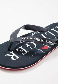 Tommy Hilfiger - NAUTICAL PRINT BEACH - Boty do bazénu - blue - 5
