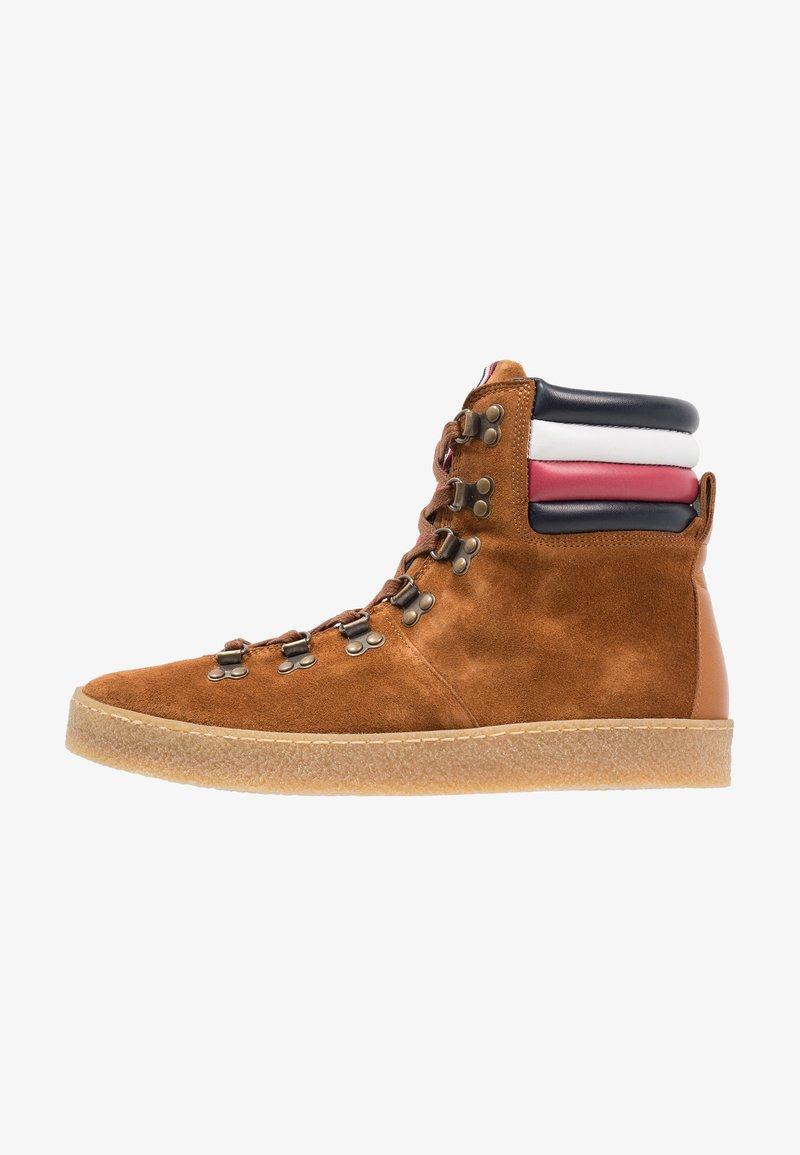 Tommy Hilfiger - LOGAN - Lace-up ankle boots - cognac