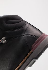 Tommy Hilfiger - OUTDOOR HIKING LACE BOOT - Veterboots - black - 5