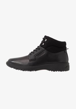 CLEATED OUTSOLE BOOT - Bottines à lacets - black