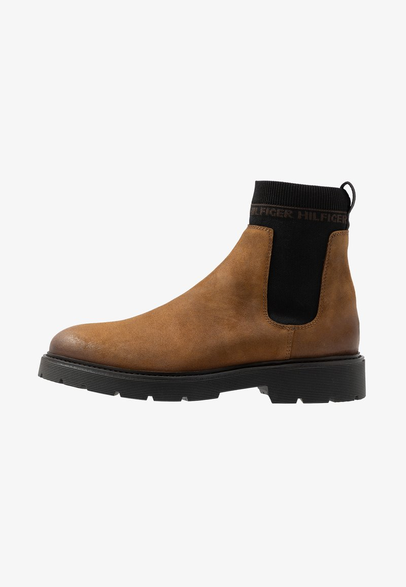 Tommy Hilfiger - CLEATED CHELSEA BOOT - Bottines - brown