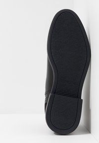 Tommy Hilfiger - ELEVATED MIX CHELSEA - Classic ankle boots - black - 4