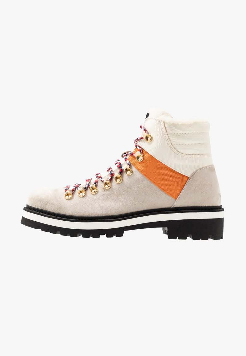 Tommy Hilfiger - LEWIS HAMILTON EXPEDITION TRAIL BOOT - Veterboots - white