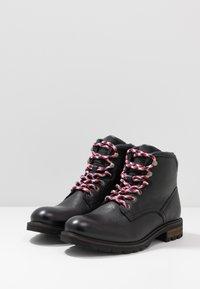 Tommy Hilfiger - BOOT - Šněrovací kotníkové boty - black - 2