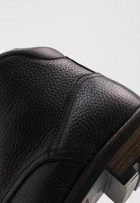 Tommy Hilfiger - BOOT - Šněrovací kotníkové boty - black - 6
