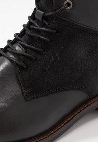 Tommy Hilfiger - ELEVATED TALL BOOT - Snørestøvletter - black - 5