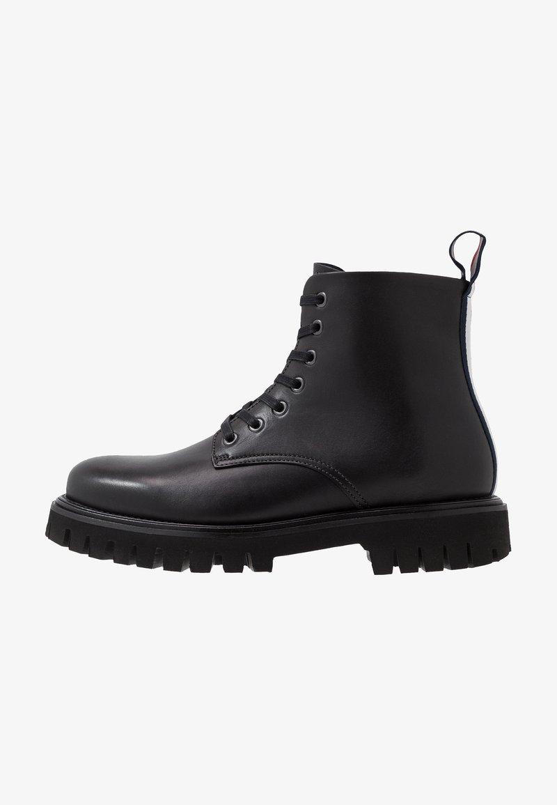 Tommy Hilfiger - CHUNKY DRESS BOOT - Nauhalliset nilkkurit - black