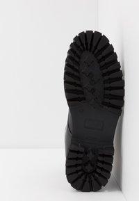 Tommy Hilfiger - CHUNKY DRESS BOOT - Nauhalliset nilkkurit - black - 4