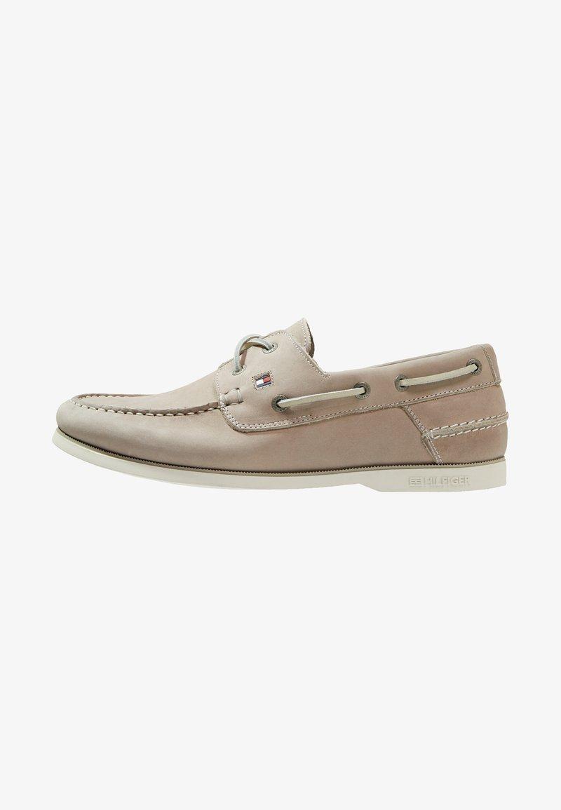 Tommy Hilfiger - CLASSIC BOATSHOE - Boat shoes - beige