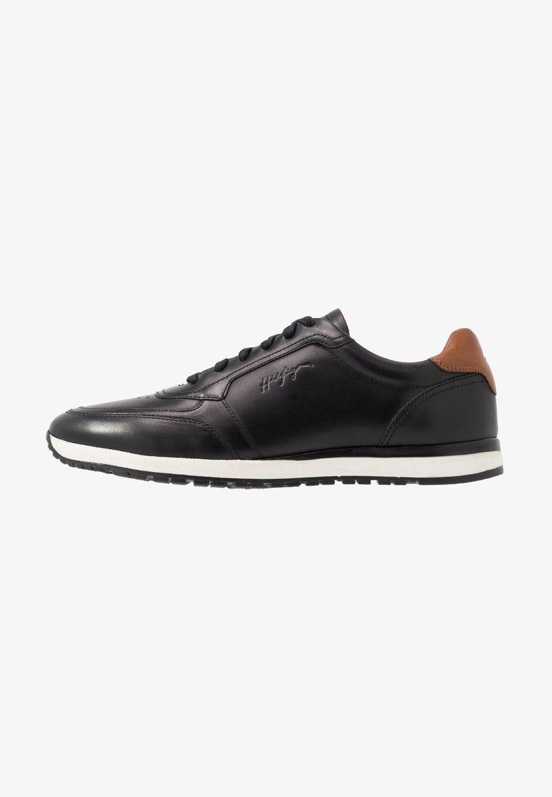 Tommy Hilfiger - PREMIUM RUNNER - Zapatos con cordones - black