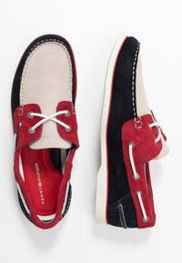 Tommy Hilfiger - CLASSIC - Chaussures bateau - blue - 1