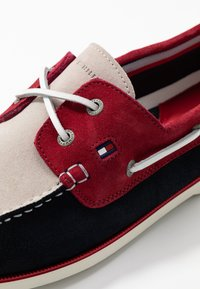 Tommy Hilfiger - CLASSIC - Chaussures bateau - blue - 5