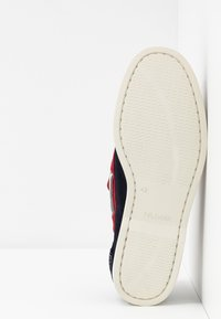 Tommy Hilfiger - CLASSIC - Chaussures bateau - blue - 4