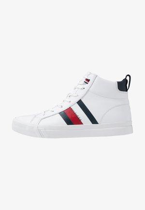 FLAG DETAIL - Sneakers hoog - white