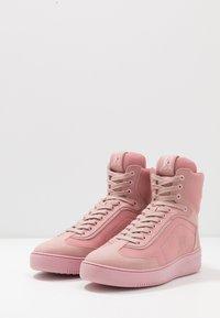 Tommy Hilfiger - LEWIS HAMILTON MODERN HIGH TOP SNEAKER - Baskets montantes - pink - 4