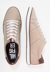 Tommy Hilfiger - ICONIC LONG LACE - Sneakersy niskie - cobblestone - 1