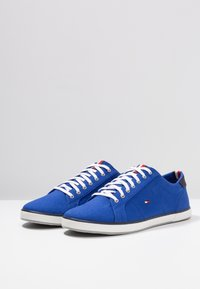 Tommy Hilfiger - ICONIC LONG LACE - Sneakersy niskie - blue - 2
