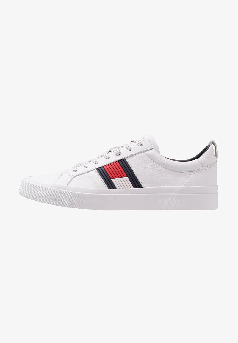 Tommy Hilfiger - FLAG DETAIL - Trainers - white