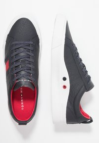 Tommy Hilfiger - FLAG DETAIL - Sneakers basse - midnight - 1
