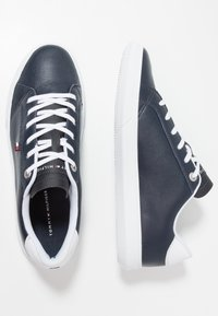 Tommy Hilfiger - ESSENTIAL CUPSOLE - Baskets basses - blue - 1