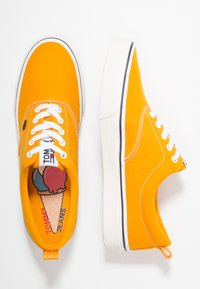 Tommy Jeans - CLASSIC - Baskets basses - yellow - 1