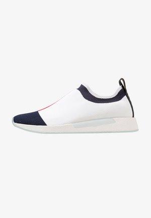 FLAG FLEXI - Loafers - white