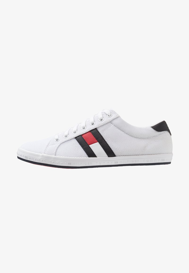 Tommy Hilfiger - ESSENTIAL FLAG DETAIL  - Sneakers laag - white