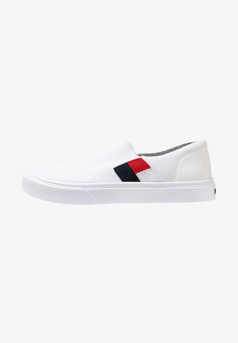 Tommy Hilfiger - LIGHTWEIGHT FLAG SLIP ON - Loafers - white