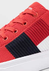 Tommy Hilfiger - LIGHTWEIGHT FLAG - Sneakers - red - 5