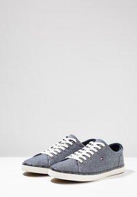 Tommy Hilfiger - ESSENTIAL  - Sneaker low - blue - 2
