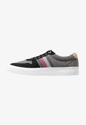 CORE - Sneakers laag - black